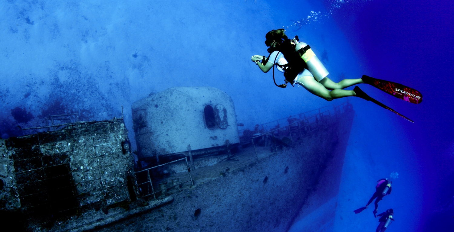9 of the best wreck diving sites in the world nine stein - Best dive sites ...